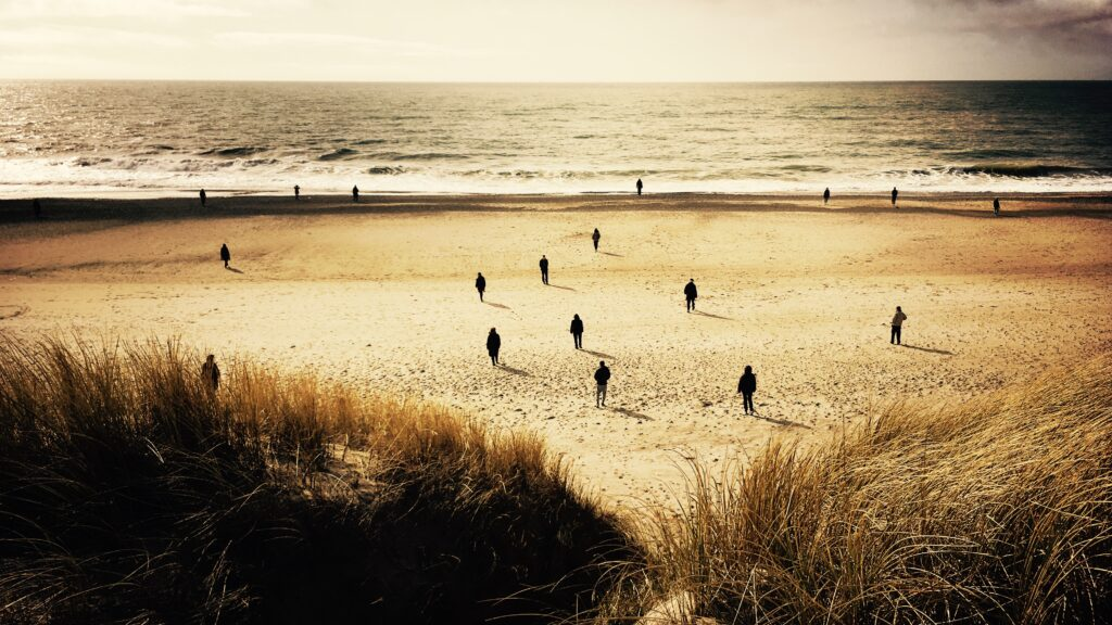 Gående meditation ved Vesterhavet