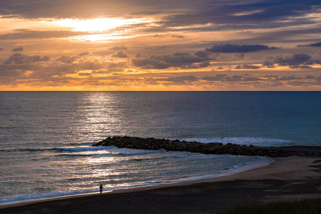Marianne og solnedgangen over Vesterhavet