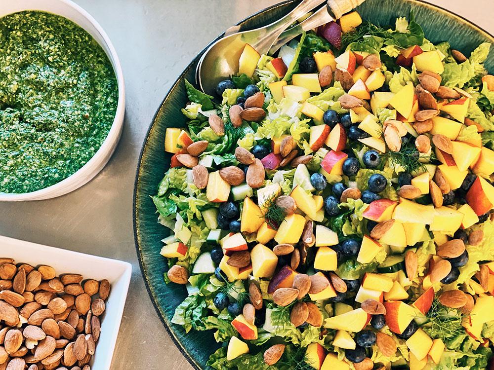 Brittas farverige salat